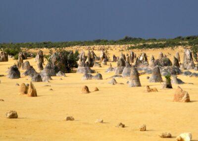 die Pinnacles-Wüste mit Tausenden von Kalksteinformationen, die Pinnacles genannt werden
